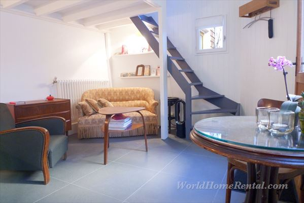 Apartment 5885: Apartment 10th, Paris, France